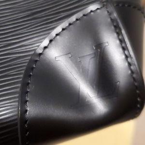 Louis Vuitton Bags - 💯% Auth Louis Vuitton Phenix PM Epi Noir